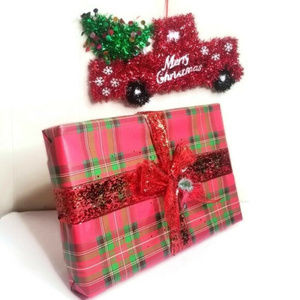 Add this to a bundle to have your item Gift Waped